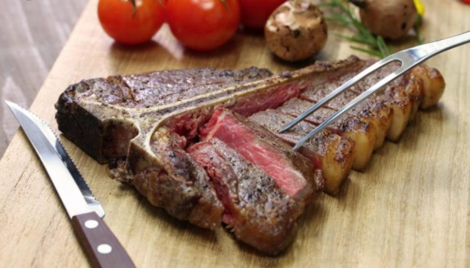 Традиционный флорентийский стейк – bistecca alla florentina