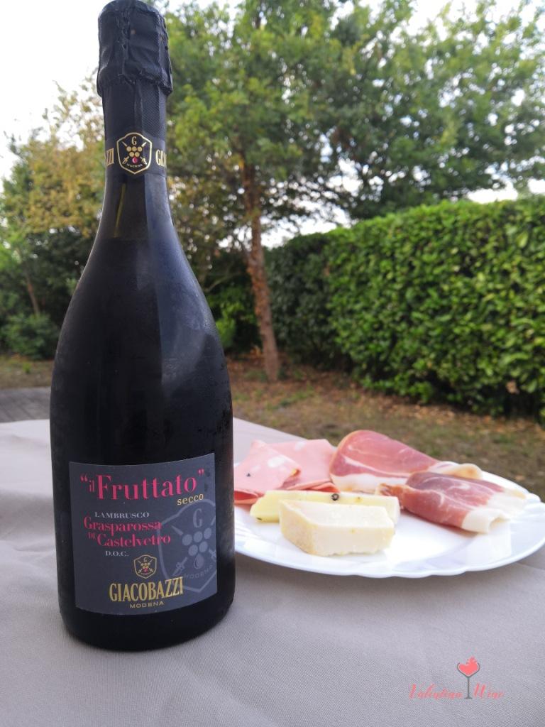 Игристое вино Ламбруско метод Шарма
