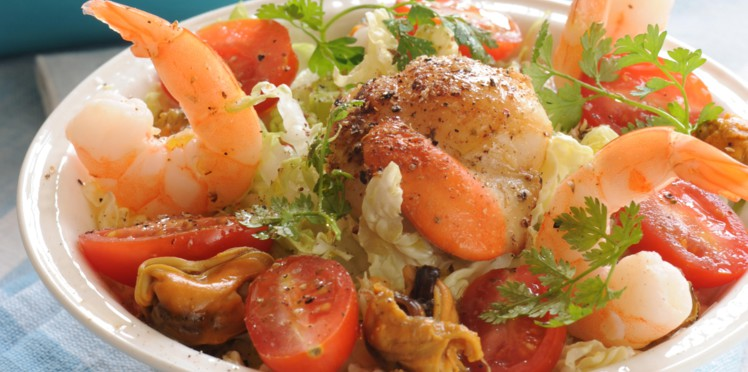 Салат из морепродуктов и креветок