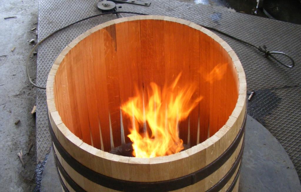 Обжиг винных бочек
