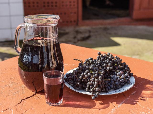 Домашнее абхазское вино