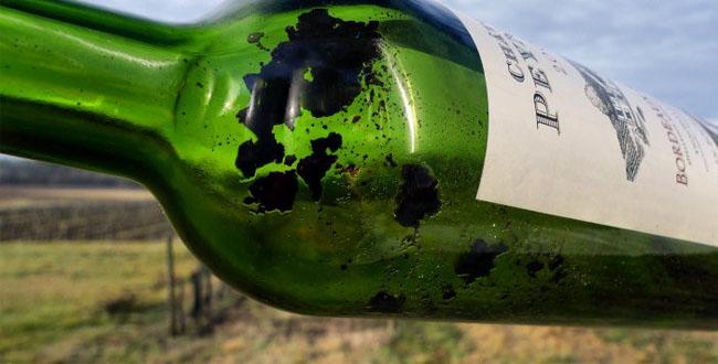 Осадок на дне зрелого красного вина